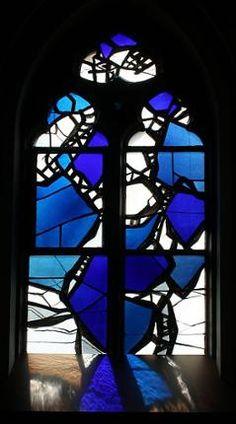Kerkgebouwen in Limburg Modern Stained Glass, Stained Glass Church, Stained Glass Designs, Stained Glass Art, Stained Glass Windows, Cathedral Windows, St Michael, Building, Inspiration