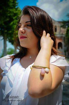 Creo X Te realizza accessori moderni e raffinati, giovani e chic. Collane, bracciali e orecchini Creo X Te adornano la donna di tutte le età, una donna sofisticata ma semplice e lineare, decisa!
