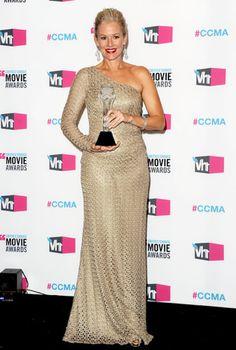 Penelope Ann Miller in David Meister. Penelope Ann Miller, David Meister, Strapless Dress Formal, Formal Dresses, Awards, Guest List, Mood, Hair, Fashion