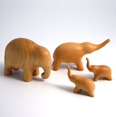 elephant family - hand-made toys Wood Carving Designs, Wood Carving Patterns, Elephant Family, Elephant Love, Wood Projects, Woodworking Projects, Whittling Projects, Wooden Elephant, Wood Animal