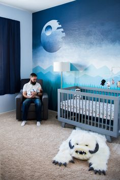Star Wars Hand Painted Mural - Project Nursery My client's husband is a huge Star Wars fan and had a vision for their new baby boy. This couple had a cousin spend hours, and days, lots of love, ha Star Wars Nursery, Star Wars Bedroom, Geek Nursery, Galaxy Nursery, Star Wars Baby, Star Wars Love, Baby Boy Rooms, Baby Boy Nurseries, Baby Boy Bedroom Ideas