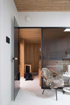 Villa J / Johan Sundberg. Home sauna - yes, please! Modern Interior, Interior Architecture, Interior And Exterior, Interior Design, Dubai Houses, Saunas, Home Spa, Beautiful Space, Minimalist Home