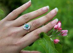 Silberring zum Dirndl Paula getragen Sapphire, Rings, Jewelry, Fashion, Rhinestones, Dirndl, Jewlery, Moda, Jewels
