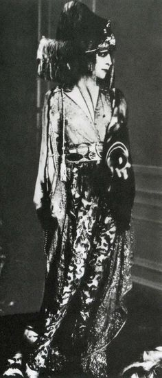 Luisa casati in a costume designed by paul poiret in 1913   The House of Beccaria