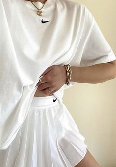 Mode Outfits, Retro Outfits, Cute Casual Outfits, Skirt Outfits, Fashion Outfits, Fashion Tips, Nike Fashion, Modest Fashion, Fall Outfits
