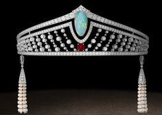 Art Déco - Magnifique Tiare - Perles, Opale, Diamants et Rubis - Chaumet - années 1920