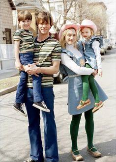Jim Carrey and Kate Winslet as Joel and Clementine in 'Eternal Sunshine of the Spotless Mind' with Young Joel and Young Clementine