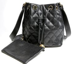 CHANEL VINTAGE DRAWSTRING CAVIAR QUILTED DAY BAG 3599_8.5X8.25X6 SD 20.5