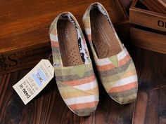 fresh and ready for your feet,TOMS shoes,god...SAVE 66% OFF! this is the best! | See more about white stripes, tom shoes and toms outlet.