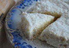 ένα γλυκάκι που θα λατρέψετε, γιατί γίνεται πολύ γρήγορα και είναι πολύ εύκολο. σαν..ραφαέλο (γλυκό με μπισκότα και ινδοκάρυδο) υλικα 1 γάλα ζαχαρούχο 1 φυτική κρέμα γάλακτος 3 τεμάχια κρέμα στιγμής 1 λίτρο φρέσκο γάλα 2 πακέτα μπισκότα πτι μπερ 250 γρ. ινδοκάρυδο Α! Greek Sweets, Greek Desserts, No Cook Desserts, Sweets Recipes, Greek Recipes, Easy Desserts, Cooking Recipes, Greek Cake, Childrens Meals
