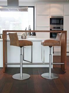 KFF Texas Exclusiv - Drehbarhocker • KFF®-Shop • KwiK Designmöbel