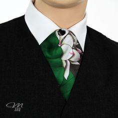 Seiden-Krawattenschal Lotusblüte - Manufaktur 512 - Einzigartige #Accessoires in #Handarbeit. +++…