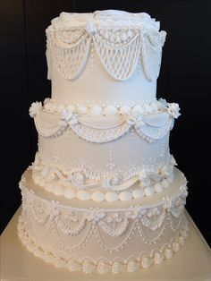 Lambeth Piping Cake