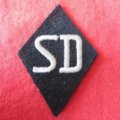 SS-SD SLEEVE DIAMOND - SICHERHEITSDIENST SS Security Service NCO SD woven thread RXM.SS A20 D208308 Diamond 70mm * 50mm Ref 14-64 more details @ www.ww2militaria.net