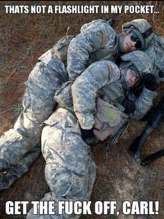 Military Memes That Will Make You Laugh – Memespic - Humor Funny Army Memes, Army Jokes, Military Jokes, Stupid Funny Memes, Usmc Humor, Adult Humor, Really Funny, Funny Pictures, Flashlight