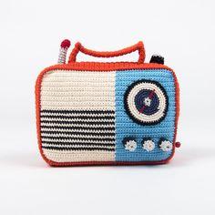 Anne-Claire Petit gehäkelte Spieluhr Radio als Deko-Accessoire
