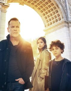 Kiefer Sutherland is back - TOUCH.  Love him  love this show!