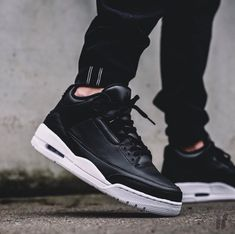 Shop Kids' Jordan Black White size Sneakers at a discounted price at Poshmark.so fits Women shoe size Sold by Fast delivery, full service customer support. Jordan Shoes, Air Jordan 3, Jordan Retro 3, Sneakers Mode, Best Sneakers, Air Max Sneakers, Sneakers Fashion, Womens Jordans, Kids Jordans
