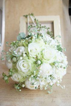 2011年、4月29日、ウィリアム王子とご成婚されたキャサリン妃が手にしていたブーケはご自身が大好きな花、スズランのブーケでした…そんなロイヤル...|ハンドメイド、手作り、手仕事品の通販・販売・購入ならCreema。