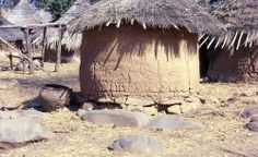 Bedik food-storage structure and large clay brewing pot, southeast Sénégal (West Africa)