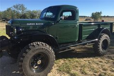 1961 DODGE POWER WAGON PICKUP - Front 3/4 - 195011