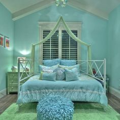 Traditional Kids Photos Girl Tween Room Design Ideas, Pictures, Remodel, and Decor - page 40