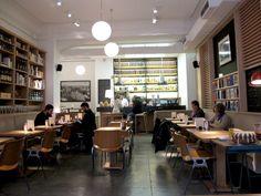 La Fábrica Café. Calle Alameda, 9. 91 298 55 23.
