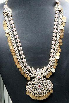 Designer Diamond necklace With kasulaperu design - Latest Jewellery Designs Indian Wedding Jewelry, Bridal Jewelry, Gold Jewelry, Jewelery, Fine Jewelry, Indian Jewellery Design, Latest Jewellery, Jewelry Design, India Jewelry