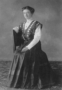 1910- 1920 female