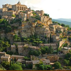 Gordes is in the Vaucluse département in the Provence-Alpes-Côte d'Azur, France.