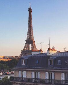 See this Instagram photo by @topparisphoto • 11.4k likes #paris #france #topparisphoto #eatinparis #travelawesome #beautifuldestinations #bestvacation #parisjetaime #weloveparis #parisian