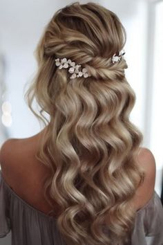 36 Vintage Wedding Hairstyles For Gorgeous Brides ❤ vintage wedding hairstyles elegant waves swept half up half down with flower pins lenabogucharskaya Wedding Hair Half, Wedding Hairstyles For Long Hair, Elegant Hairstyles, Wedding Hair And Makeup, Vintage Wedding Hairstyles, Gorgeous Hairstyles, Wedding Updo, Boho Wedding, Wedding Tiaras