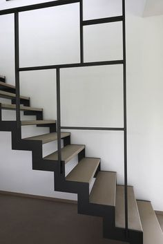 How to choose and buy a new and modern staircase – My Life Spot Loft Staircase, Staircase Railings, Modern Staircase, House Stairs, Interior Stairs, Interior Design Living Room, Escalier Design, Stair Railing Design, Metal Stairs