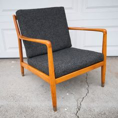 San Jose: Mid Century Dux Lounge Chair $625 - http://furnishlyst.com/listings/1060961