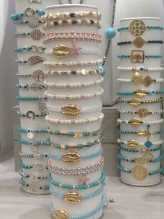 Diy Bracelets Easy, Bracelet Crafts, Cute Bracelets, Handmade Bracelets, Jewelry Crafts, Beaded Bracelets, Handmade Beaded Jewelry, Beaded Jewelry Patterns, Handmade Jewelry Designs