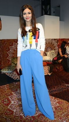 Victoria Justice, - Alice And Olivia Fashion Show In New York September 15 2015