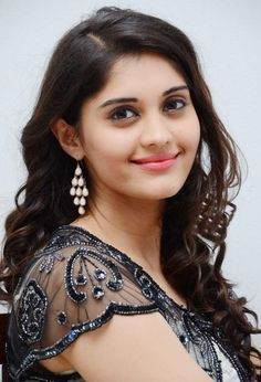 Tamil Actress Surabhi Homely Photos - Found Pix