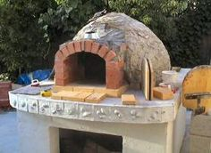 Build an Italian Brick Oven...Free plans  I heard the Stanley Tucci had one of these at his home and how nice they were to use for outdoor cooking. So it is on my to do list. Maybe next,after making a patio next year;)