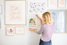 Everything you need to know to build your very own gallery wall… wohnzimmer ohne bohren Home Makeover: How to Build a Gallery Wall Gallery Wall Layout, Gallery Walls, Home Organization Hacks, Diy Canvas, Canvas Art, Diy Photo, Diy Wood Projects, Room Inspiration, Business Inspiration
