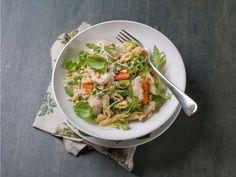 Fullkornpasta med kylling og pinjekjerner Japchae, Ricotta, Thai Red Curry, Tapas, Favorite Recipes, Snacks, Ethnic Recipes, Food, Spinach