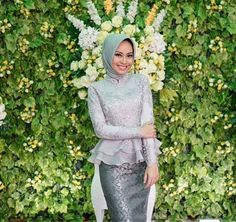 New photography women body beauty models ideas Kebaya Modern Hijab, Model Kebaya Modern, Kebaya Hijab, Kebaya Brokat, Dress Brokat, Kebaya Muslim, Muslim Dress, Kebaya Peplum, Kebaya Lace