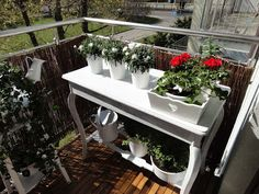 Czy warto inwestować w meble balkonowe?