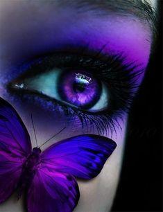 Butterfly on the face (Borboleta no rosto) Purple Love, All Things Purple, Shades Of Purple, Purple Stuff, Magenta, Purple Sunset, Purple Colors, Purple Art, Gif Kunst