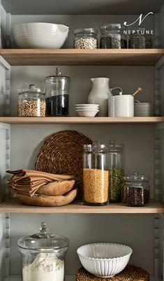 Kitchen Vignettes, Home Decor Kitchen, New Kitchen, Home Kitchens, Kitchen Dining, Dining Room, Kitchen Organisation, Kitchen Storage, Organization