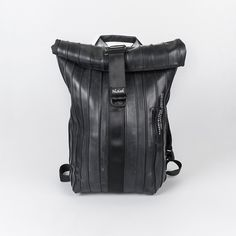 Hola soy Arce, la mochila unisex perfecta, de goma de color negro