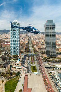#Barcelona, España #cathelicopters vuelo panorámico. www.lacentraldelnegocio.com