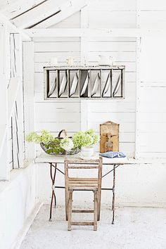 white walls rustic kitchen vintage open plate rack and vintage table and chair Painted Floorboards, Plate Racks, White Houses, Vintage Table, Rustic Kitchen, Table And Chairs, White Walls, Home Decor Inspiration, French Vintage