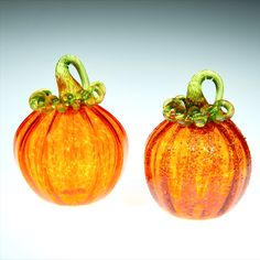 Transparent Orange Glass Pumpkin with Green Stem, This piece ranges in size from 3-4 inches. Some of the pumpkins we roll through a little frit on the surface, frit is small chips of glass that give the piece a little extra sparkle. You can see this in the detail photo number 4 on my Etsy site. This is a great fall wedding gift, Fall decor, gift for mom, gift for a friend, gift for dad, fall wedding gift, or anniversary gift #glasspumpkin #falldecoration #halloweendecor #thanksgivingdecor Small Pumpkins, Glass Pumpkins, Thanksgiving Decorations, Halloween Decorations, Fall Wedding, Wedding Gifts, Corning Museum Of Glass, Pumpkin Art, Fall Gifts