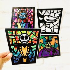 Celebrate the best movie of the spooky season with this craft kit. Create 2 beautiful suncatchers and hang in your window all season.