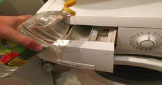 Spalatul hainelor este o treaba cu doua taisuri: poti face o sumedenie de greseli, iar gasirea unui detergent adecvat poate fi similara cautarii acului in carul cu fan. Trebuie sa stii faptul ca dupa ce vei citi acest articol, vei avea nevoie doar de un singur ingredient comun la fiecare spalare! Utilizand aceasta procedura , te asigur ca vei economisi timp si bani! Tot ce trebuie sa faci este sa adaugi putin otet in masina de spalat, si ai scapat de probleme. Inainte de a pune la spalat, toarna Drip Coffee Maker, Kitchen Appliances, Shake, Tips, Diy Kitchen Appliances, Home Appliances, Smoothie, Coffee Making Machine, Kitchen Gadgets